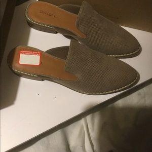 Ladies shoes, size 9